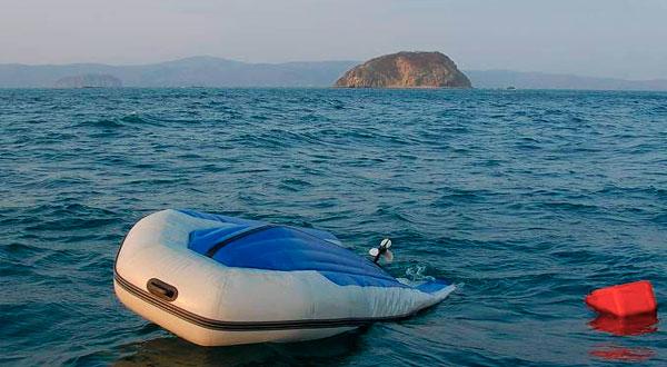 Безопасное поведение в лодке в случае аварии