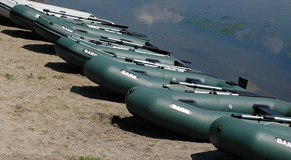 Виды надувных моторных лодок и гребных лодок